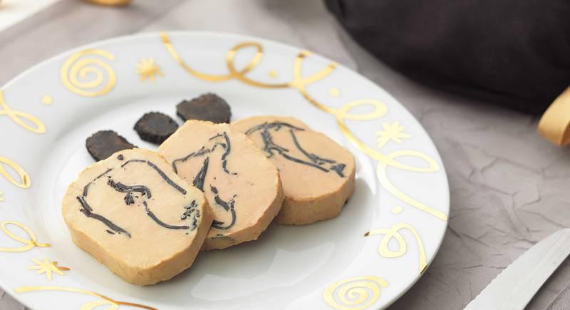Foie Gras de Canard Entier du Périgord au Torchon Truffe 10% Mi-Cuit - © Studio Appi