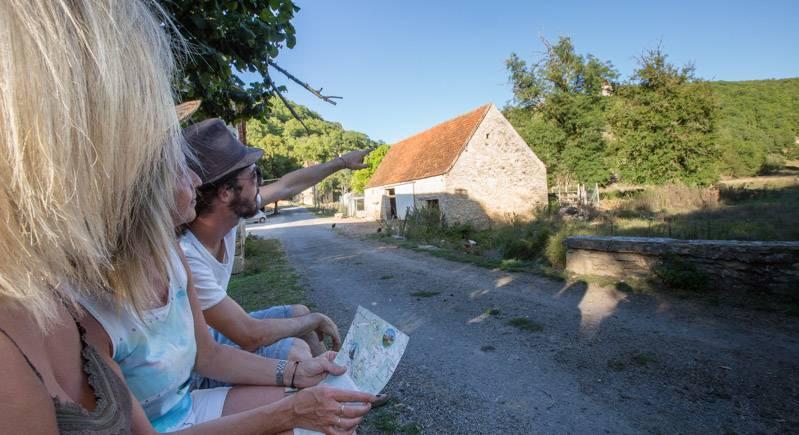 Découverte de petits hameaux ... - © Gerald Vincent Photovog